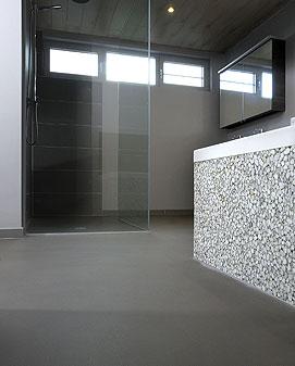 Gietvloer betonlook gietvloeren betonlook - Moderne badkamer betegelde vloer ...